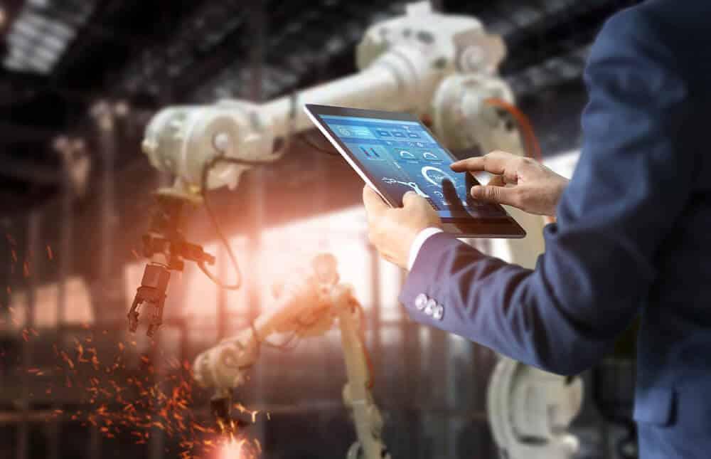 Manufacturing Trends Post_Blog Header_V2